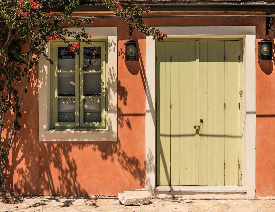 Door in Fiskardo on Kefalonia