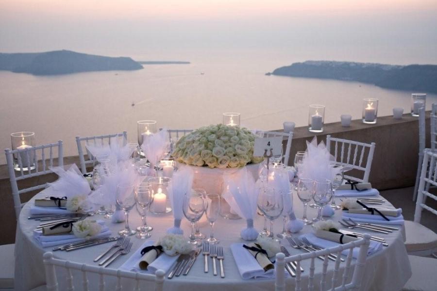Luxury weddings in Greece: http://www.greece-travel-secrets.com/Luxury-Weddings-in-Greece.html